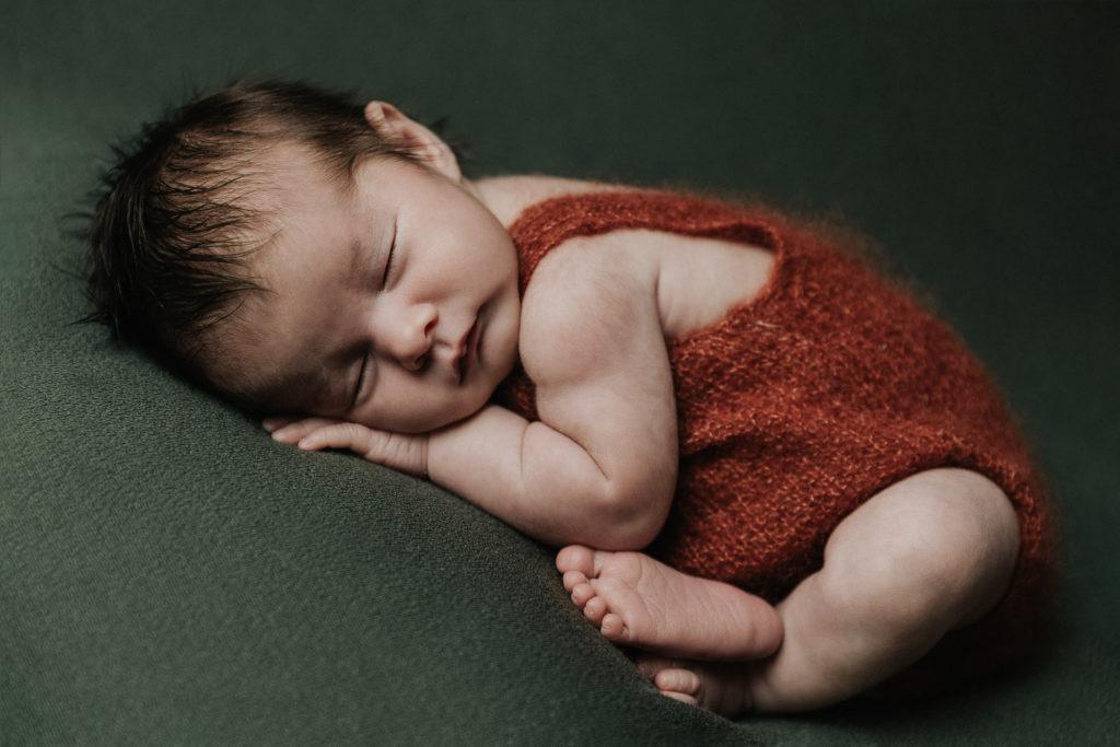 photographe nouveau-né la chaux de fonds